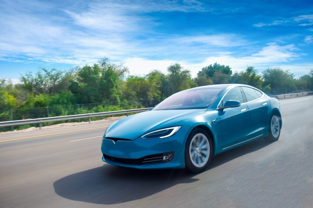 Tesla: A Hatchback Model Is Planned To Tackle Volkswagen's ID.3